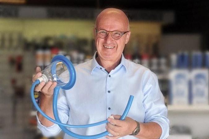 Peter Cox heeft de Stomydo Stomadouche ontwikkeld